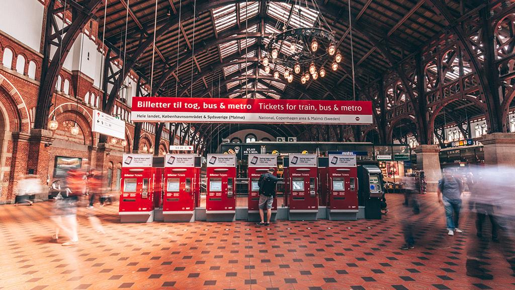 Billetautomater på Københavns Hovedbanegård.