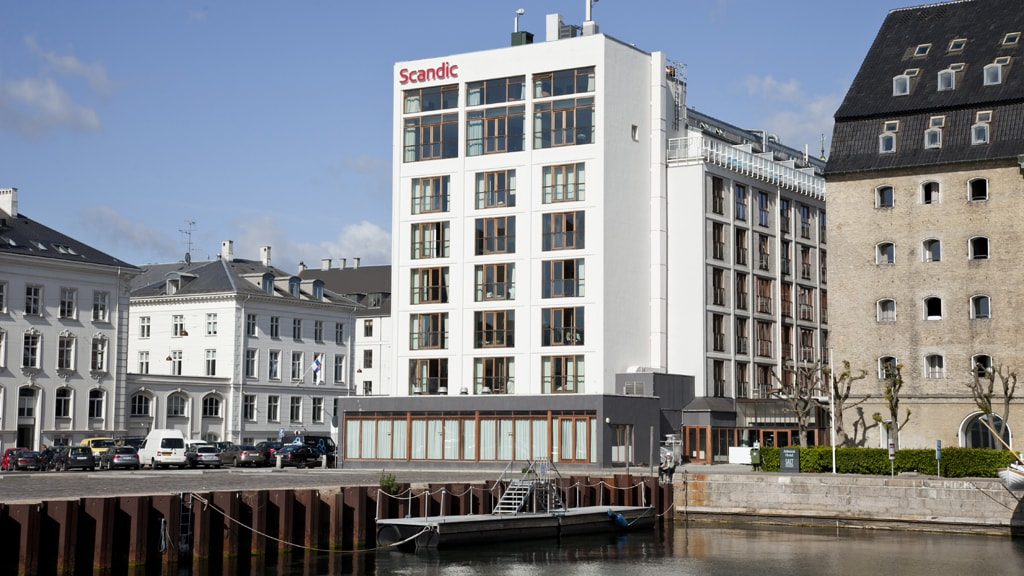 Facede of the hotel Scandic Front