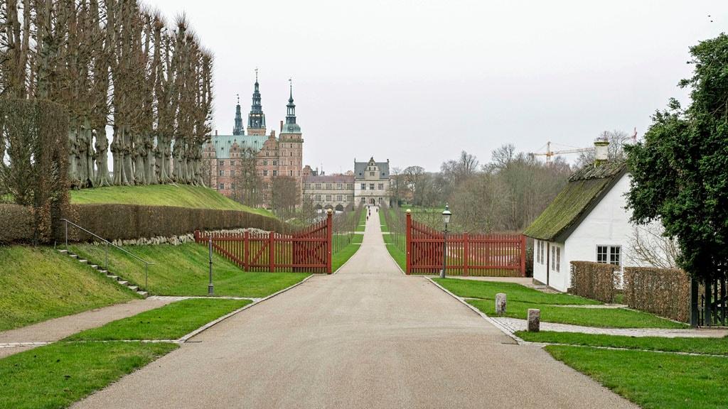 I Slotshavehuset bor du 2 min. fra Frederiksborg Slot