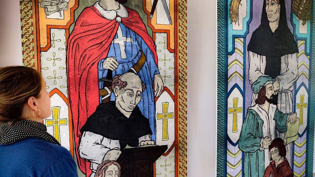 Kalkmalerier på udstillingen Magt for himlens skyld.
