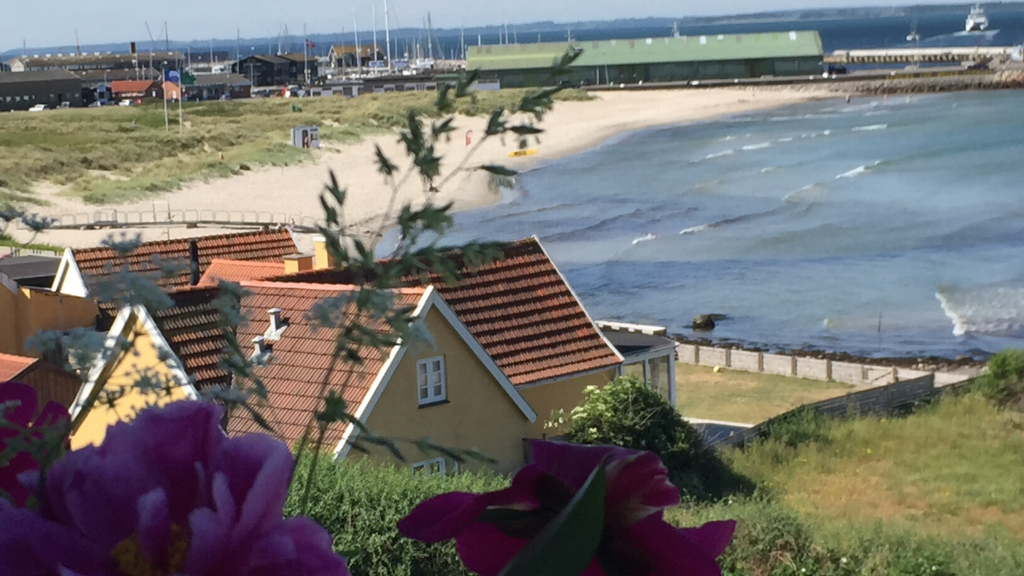 Skansen B&B. Udsigt over stranden i Hundested