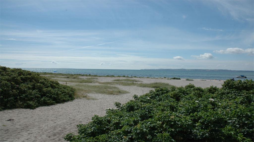 Ahl Beach