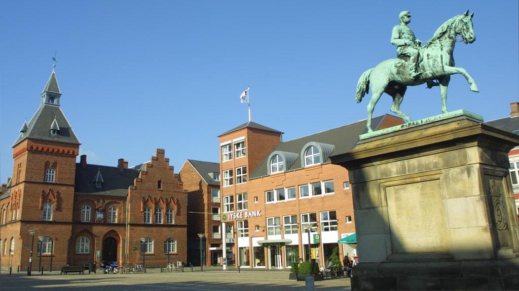 Rytterstatue af Christian IX på Torvet i Esbjerg