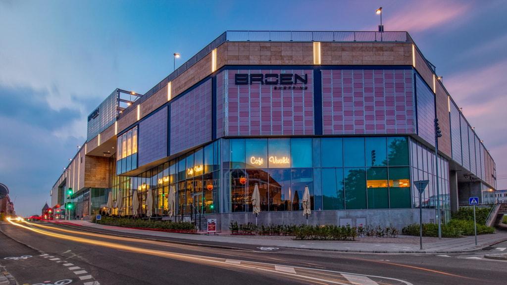 Die Fassade von BROEN Shopping