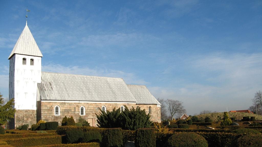 Eine schöne mittelalterliche Kirche | Bryndum Kirche