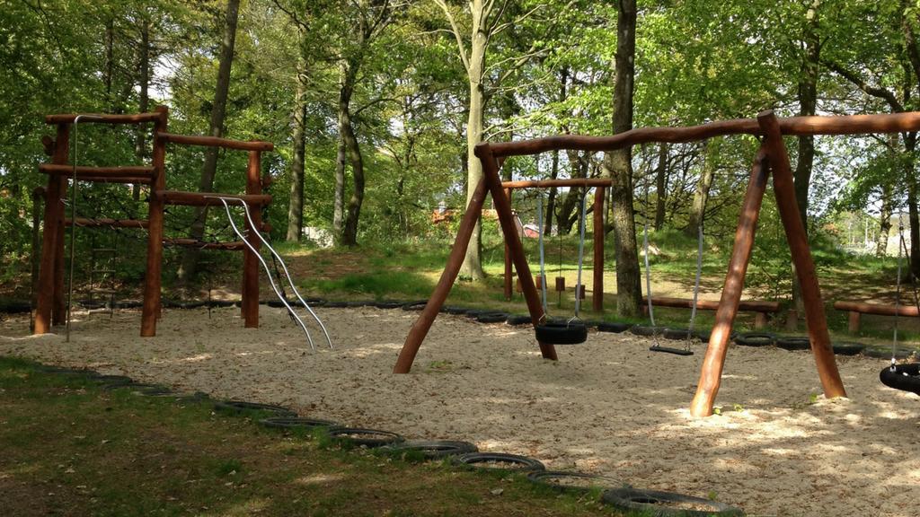 Vemb Lystanlæg - skovlegeplads