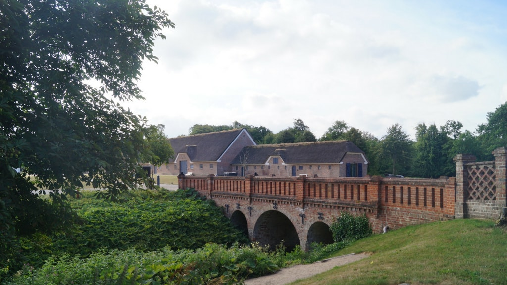 Nørre Vosborg - bro over voldgraven