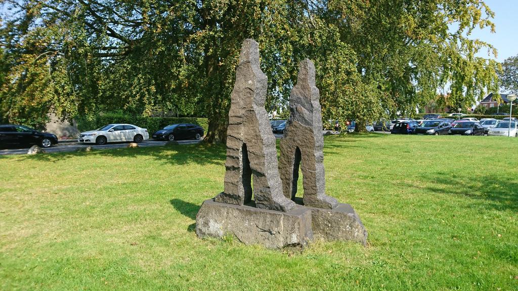 Skulptur af to brødre