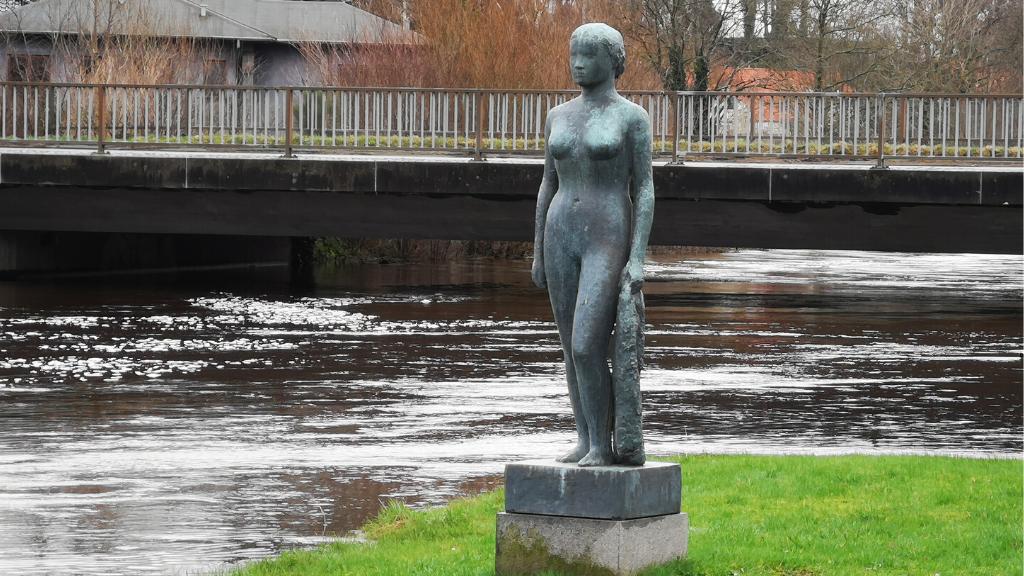 Kvinde med klæde - Astrid Noack