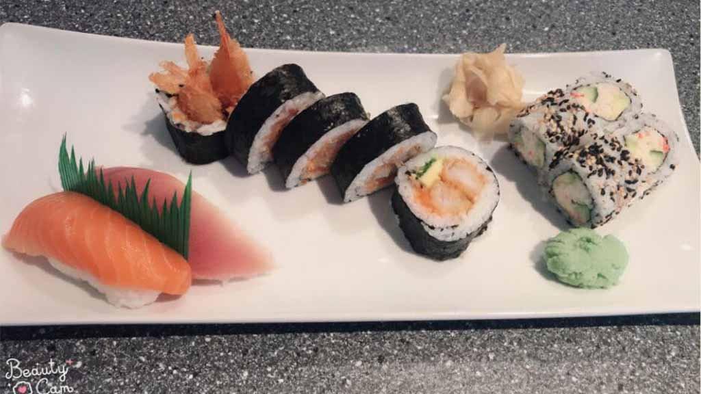 Samahi Sushi anretning frisk sushi
