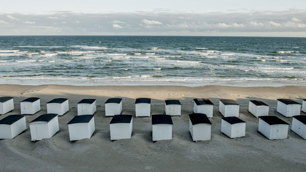 Løkken Strand Badehuse hvide by
