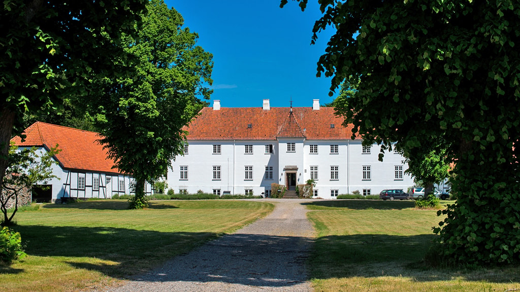 oebjerggaard-bed-breakfast-herregaard-lundby