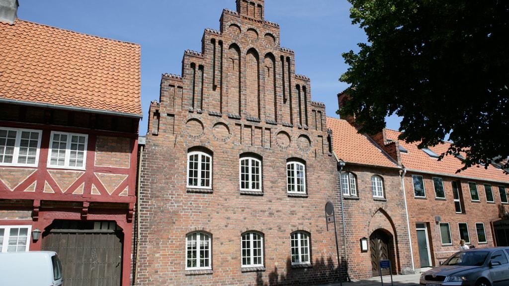 sct-peders-kirke-naestved-danmarks-aeldste-raadhus