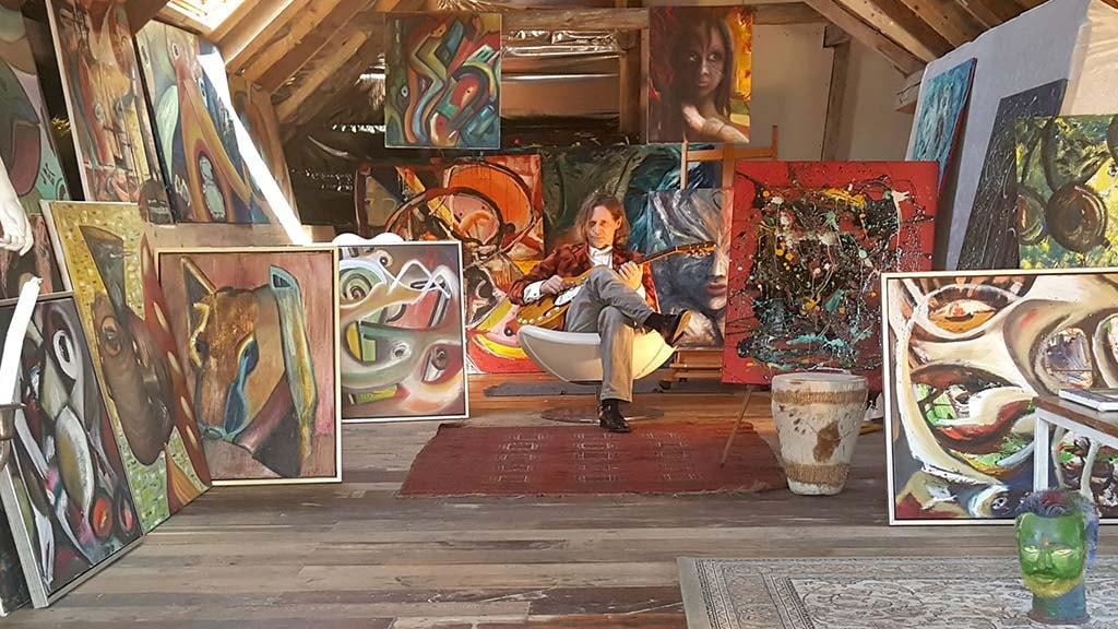 Emil Tonne Art House
