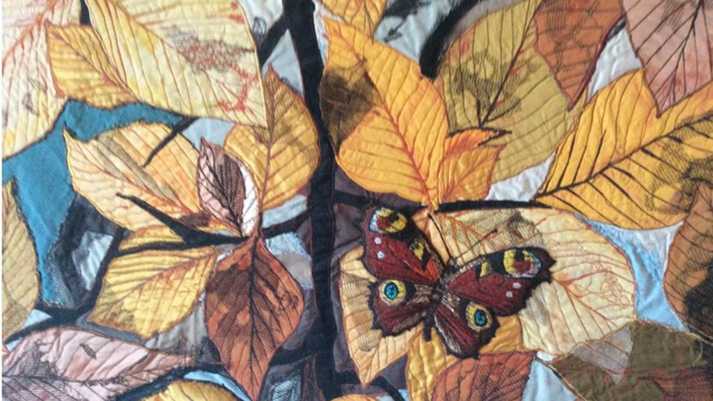 Kunstudstilling i vandtårnet i Nyborg 2019 - Gitte Bjødstrup - sommerfugl med blade