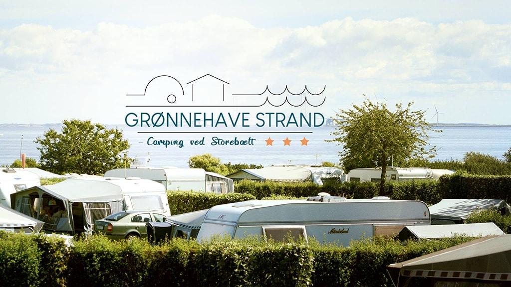 Grønnehave Strand Camping - udsigt med logo