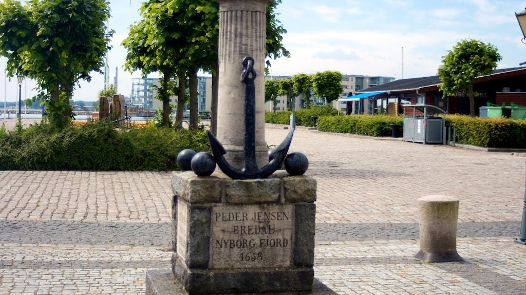 Bredals Monument Vesterhavn Adelgade 1