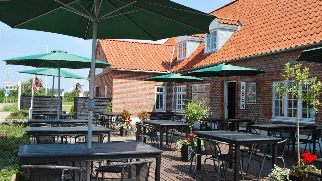 The terrace at Mandø Inn