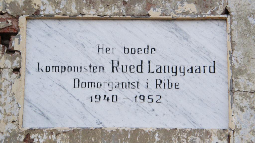 Mindetavle over komponisten Rued Langgaard