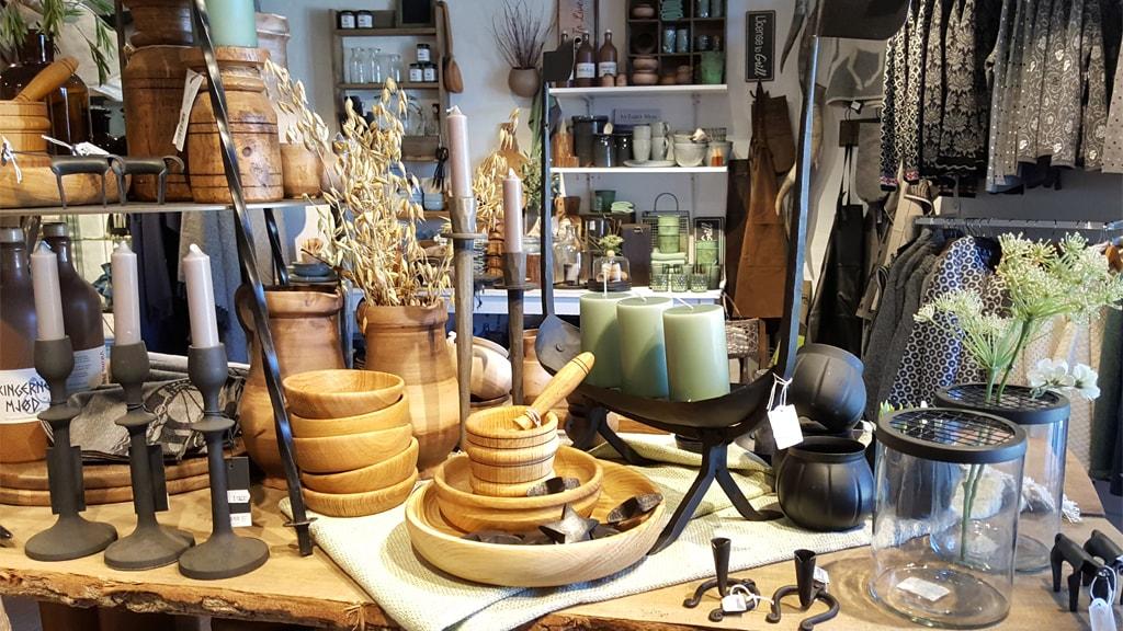 Brugskunst i træ i butikken på Ribe VikingeCenter