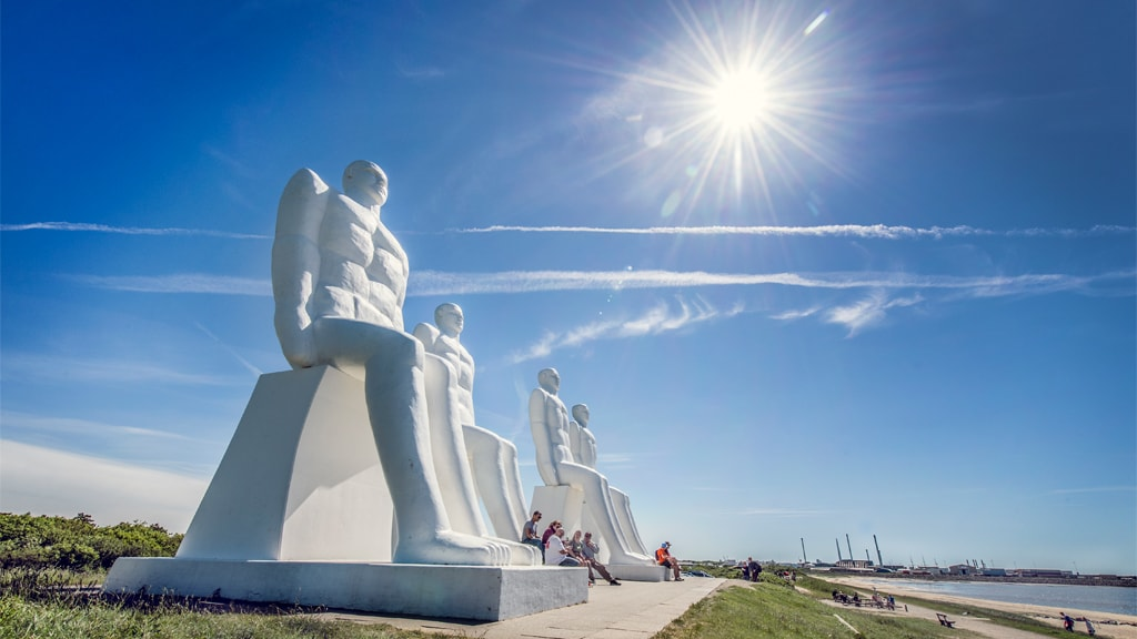 Man Meets the Sea | Sculpture in Esbjerg