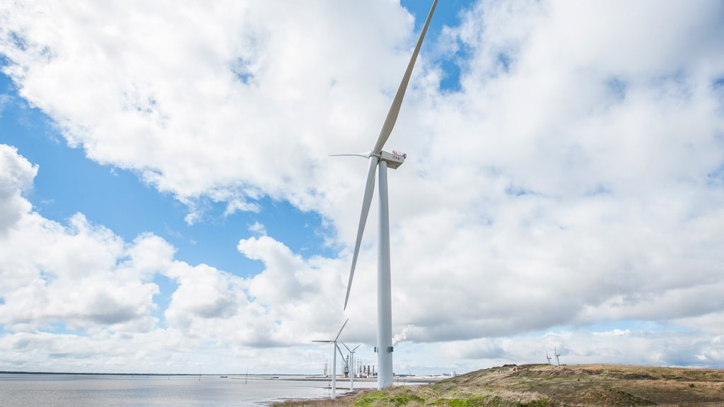 Huge wind turbines at Måde