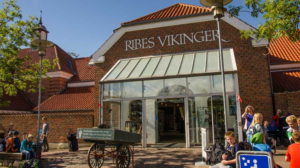the facade of the Ribe Viking Museum