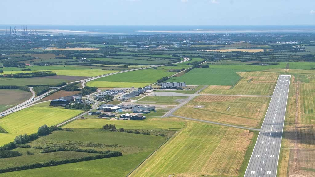 Runway | Esbjerg Airport