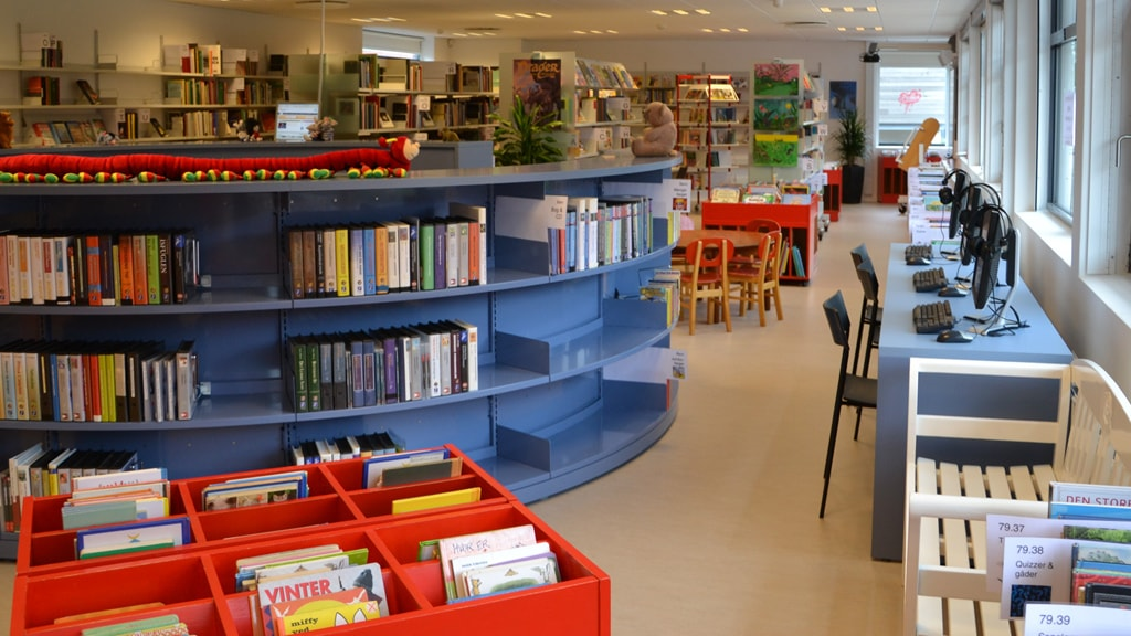Ribe Library's bookshelves