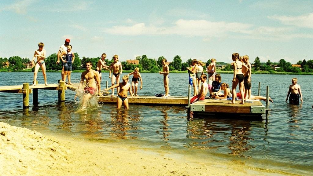 Lejrskoler - badning i søen