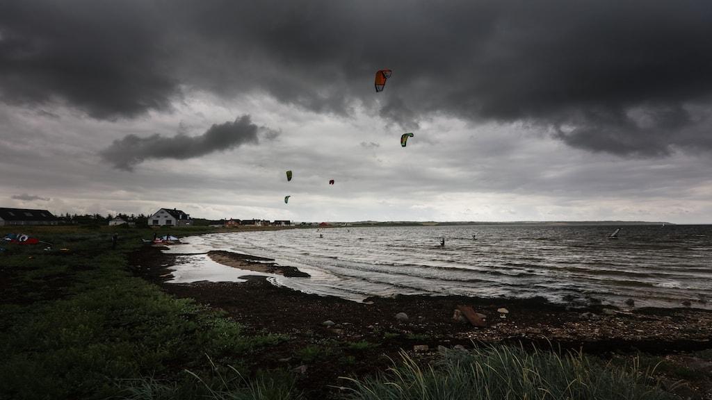 Kitesurfere i Krik Vig