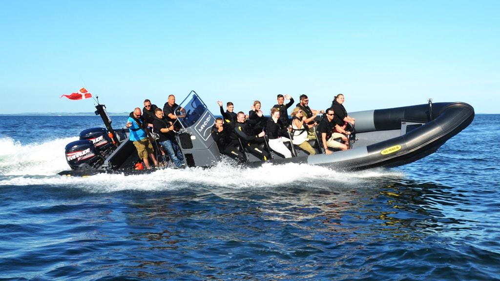 Historiske guidede ture i rib båd