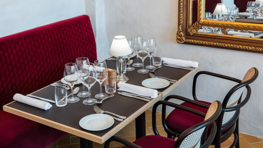 Borddækning hos Restaurant Eydes på Jørgensens Hotel i Horsens