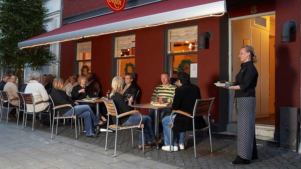 Restaurant Oksen i Horsens set udefra på Grønnegade