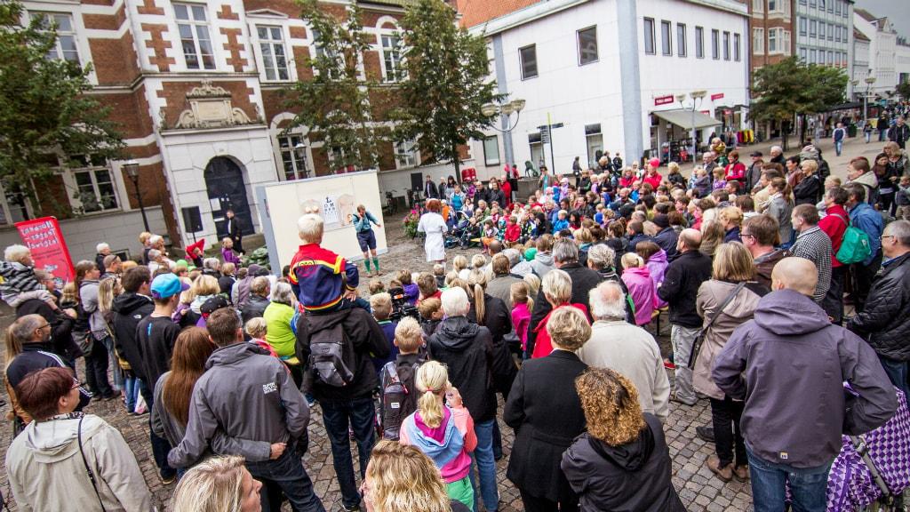 Horsens Teaterfestival forestilling ved det gamle rådhus