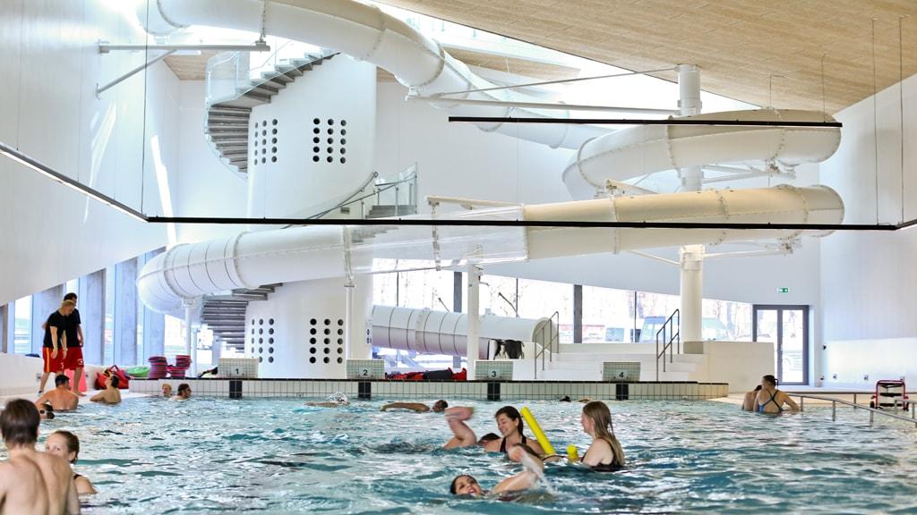 Vandhalla handicapvenlig svømmehal i Hou