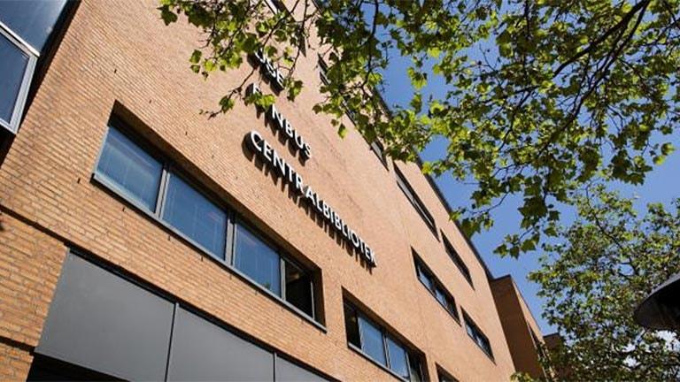Odense Central Bibliotek i Odense Banegård Center.