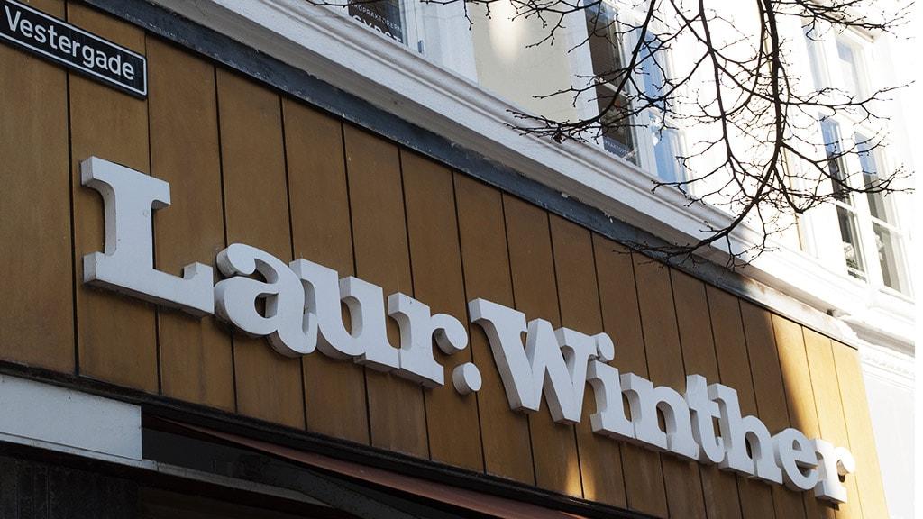 Skiltet på facaden af Winthers Kaffe og The