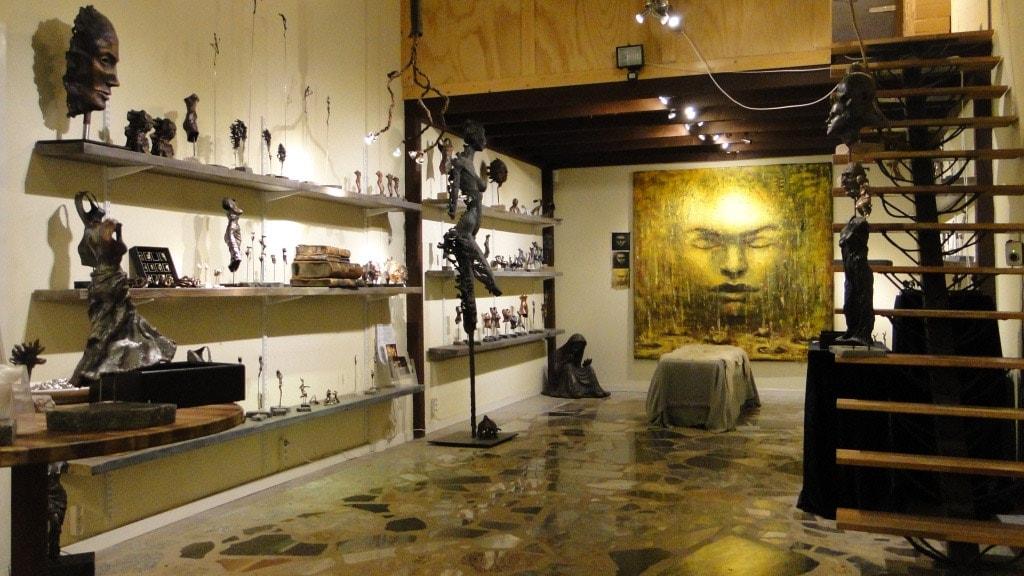 Kik ind i Galschiøts galleri