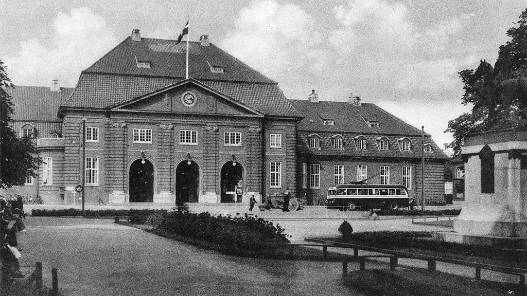 S/H billede af Odense gamle Banegård