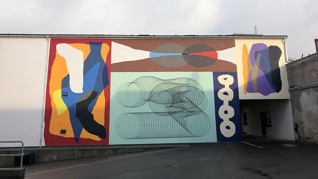 Moneyless street art