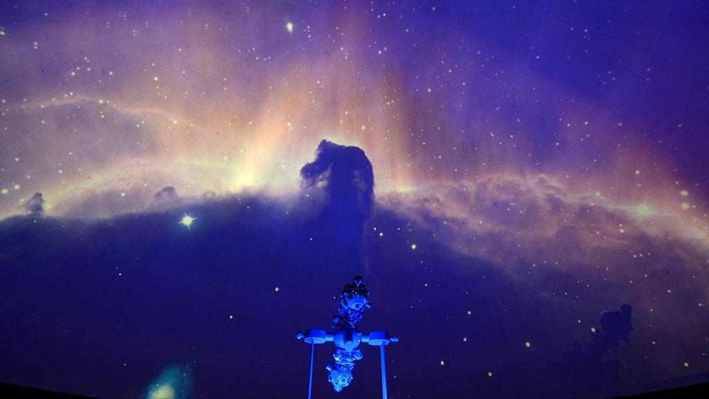 Hestehovedtågen-i-planetariet