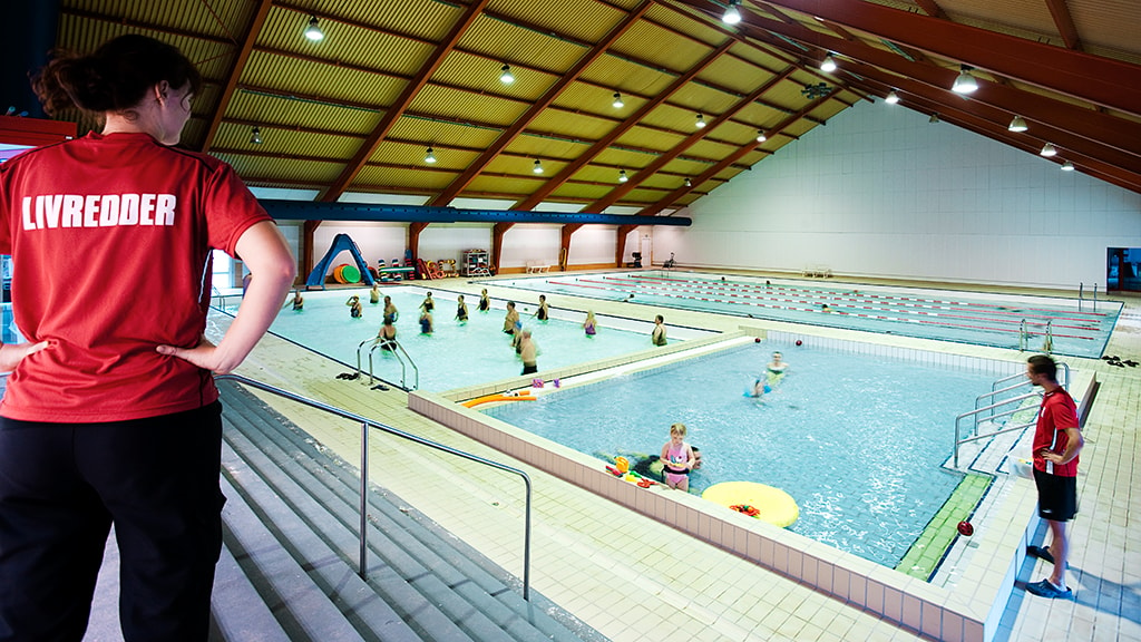 At Gellerupbadet Aarhus you can get an indoor swimming experience for the whole family.