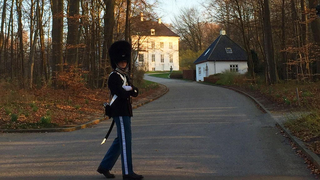 Vagtskifte vedd Marselisborg slot i Aarhus