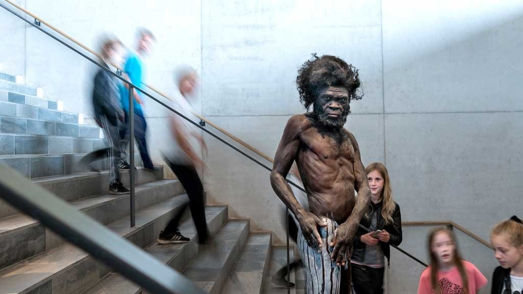 Moesgaard Museum Homo Sapiens auf The Origin Stairs