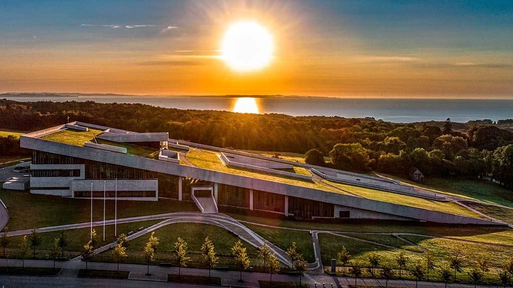 Sol over Moesgaard Museum