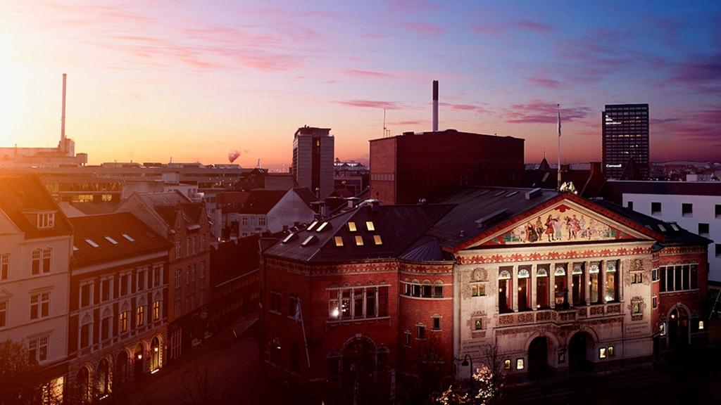 Aarhus Teater at dusk