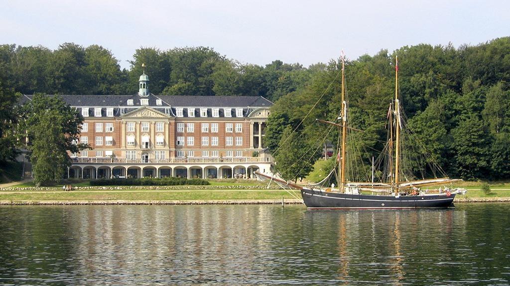Hotel Koldingfjord med fjorden