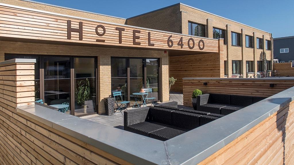 Hotel6400 facade